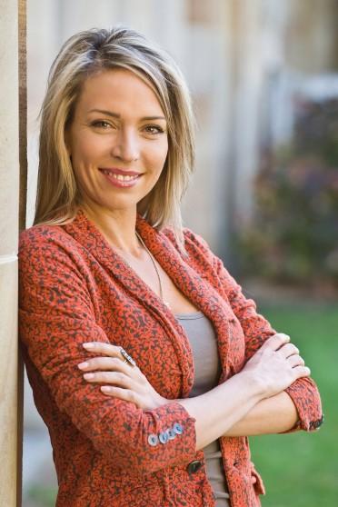 Dr Bronwyn Lea